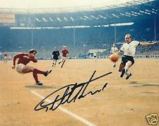 GEOFF HURST SIGNED 8x10 ENGLAND WORLD CUP 1966 3rd GOAL PHOTO - UACC & AFTAL RD