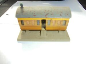 Trix Twin TTR Derelict #551 Ex-LNER Coach Hut