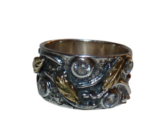 Stunning Solid Sterling Silver Ring with Clear Stones and Gold Leaves. Size Q.
