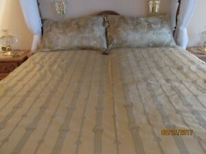 Waterford Linens Glanmire Gold Reversible Comforter Set