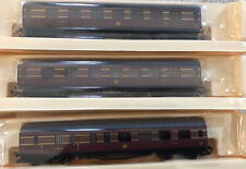 Hornby 00 R4588 LMS Maroon Red With Gold Stripe  Cornonation Coach Pack, Boxed