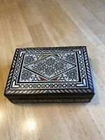 Vintage Intricately Inlaid Wood Trinket Folk Box; Gorgeous 6 1/2 x 4 1/2 x 1 3/4