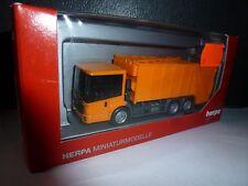 Herpa, Mercedes-Benz Econic Pressmüllwagen, 304252