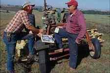 769033 Dixon conversaciones políticas con ferry en un campo próximo minco Iowa Usa A4 Foto P