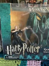 Harry Potter Vs Lord Voldemort Graveyard Duel Riddle Family Grave Diorama/Neca