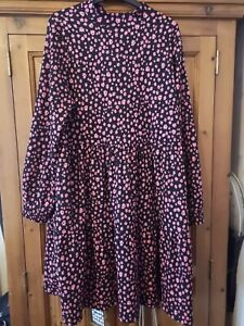 Ladies M&S dress BNWT size 18 Holly Willoughby