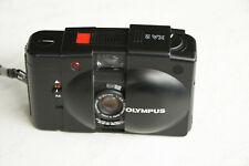 Analog-Photographie: Olympus XA2 35mm Kompaktkamera mit Blitz
