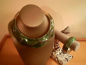 "14 "" green enamel choker necklace & bracelet set,  6"" - 6.5 wrist, gold trim"