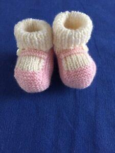 Scarpine neonato ai ferri in pura lana vergine realizzate a mano