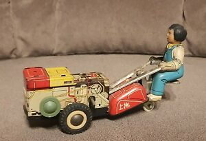 Vintage Tin Toy Tractor Wind-Up clockwork with key MS 857 1960's Made in China