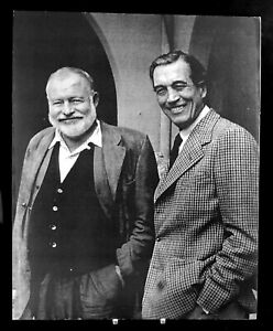 Loomis Dean Photo - Ernest Hemingway and John Huston - signed by Photographer!!