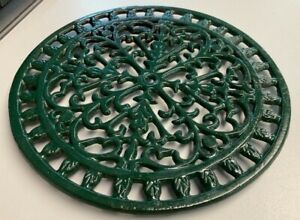 Vintage Green Round 8in diameter Metal Trivet Ideal Plant Stand or Pan stand