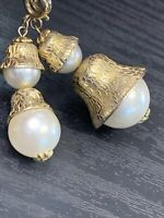 Vintage 1950S Gold Pendant Necklace Large Capped Pearl Pendants 30""