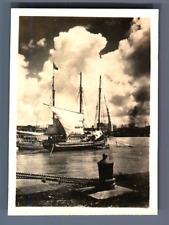 Philippines, Manille  Vintage silver print.  Tirage argentique  6x8,5  Cir