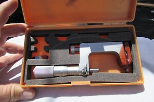 MITUTOYO 1-2 Inch NO. 117-108 .0001 Anvil Micrometer W/Case USED
