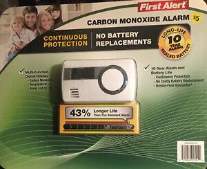 First Alert Carbon Monoxide Alarm with Temperature Display 10-Year Battery Life