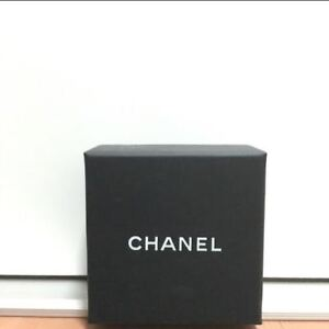 Chanel Brooch box with velvet Dust pouch 9*9*3cm