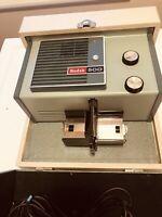 Vintage Kodak 500 Photo 2x2 Slide Projector in Carrying Case Model B Working
