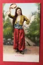 CPA. ORIENTALE. Costume. Tambourin ? No 20 . Années 1900.