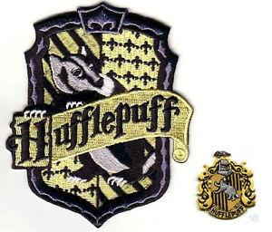 Britannique Harry Potter Collection Poudlard House Of Poufsouffle Crest Ensemble