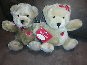 "Hallmark First Kiss Bears 7"" When The Bears Kiss, Her Heart Lights Up & Blinks!"