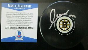 ZDENO CHARA SIGNED BOSTON BRUINS HOCKEY PUCK BECKETT BAS COA T23138