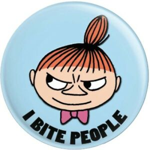 LITTLE MY ''I BITE PEOPLE'' THE MOOMINS BUTTON PIN BADGE