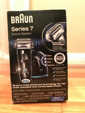 Braun Series 7 Shaver System include clean and chage