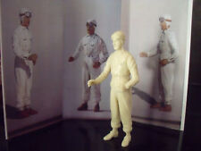 BERND  ROSEMEYER  FIGURE  1/18  FOR  CMC  AUTO UNION   VROOM  NOT  PAINTED