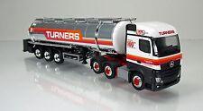 """Herpa 306720  Mercedes-Benz Actros Streamspace Chromtank-Sattelzug """"Turners"""" GB"""