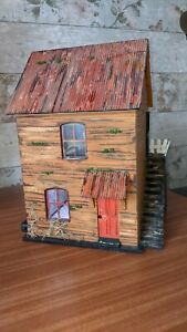 Wooden 1/24 (1/2) Scale 4 room DOLLS HOUSE with lights in three rooms.