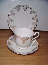 Vintage Royal Albert TRIO TAZZA PIATTINO Tè Piastra & Bianco & GOLD ~ eccellente ~ 1st