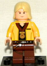 Star Wars Lego LUKE SKYWALKER GOLD MEDAL Mini-Figure Loose From Dictionary