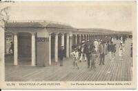 CPA 14 - DEAUVILLE-PLAGE FLEURIE - Les Planches et les nouveaux Bains