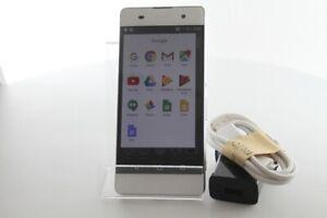 Sony Xperia XA 16GB Single-SIM Factory Unlocked Smartphone - White - VGC (F3111)