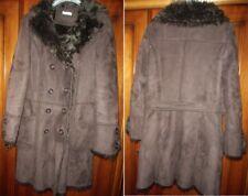 Superbe manteau long  marron  -   Taille  42  imitation Peau retournée