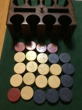 VINTAGE CLAY EAGLE POKER CHIPS EXTREMELY RARE 119 CHIPS And Walnut Poker Case