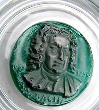 Grande et lourde assiette en verre et pâte de verre verte à l'effigie J.S.BACH