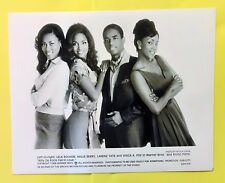 """""""WHY DO FOOLS FALL IN LOVE"""" Halle Berry & Vivica A. Fox - movie photo still"""