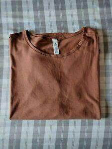 Lululemon Renew the Day Short Sleeve (Canyon Rock Size 2)