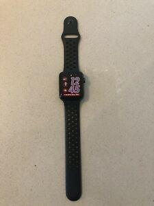 Apple Watch NIKE Series 3 GPS- 42mm Space Grey - Immaculate Condition