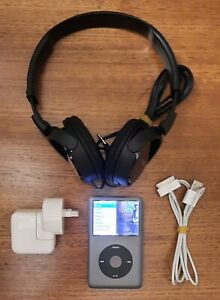 Apple iPod Classic 7th Generation 160 GB - Grey