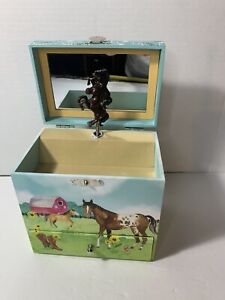 Jewelkeeper Horse Wild & Free Musical Jewelry Box 3 Pullout Drawers Cute Girls!!