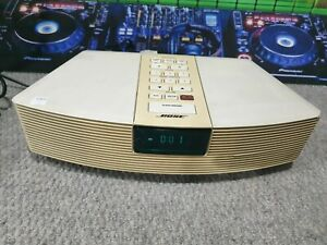 E1073 Bose wave radio alarm spares or repairs working but loud buzzing sound