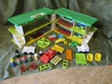 Fisher Price Little People Holiday Inn Playskool Familar places hotel motel lot