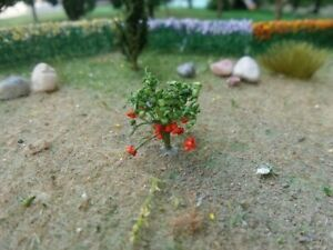 Free Shipping 100 Strawberries 3/8 inches Tall # 70118 MP SCENERY