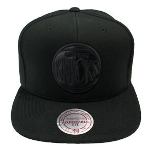 Mitchell & Ness Black Out Snapback New York Knicks / NBA