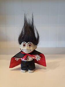 RUSS Count Dracula VAMPIRE Troll Vintage 1990's HALLOWEEN Red Eyes