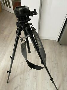 Manfrotto 290B professional tripod with model 200 fluid head