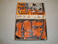 Very Clean In Box Vintage 6 Metal Trick Or Treat Cooky Cutters.